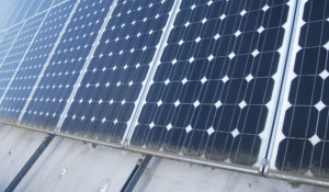 Solar Modul Photovoltaik verschmutzt Reinigung